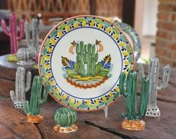 200407-10-mexican-plates-cactus-motives-texas-table-decor-ceramic-hand-made-mexico