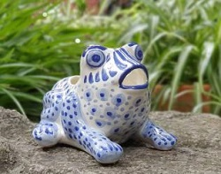 frog-planter-macetarana-handmade-hand-painted-mexican-pottery-garden-gifts-amazon-ceramic-talavera-interiordecor