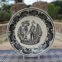 mexican-decorative-platters-ceramic-hand-made-mexico-halloween-day-of-dead-catrina-couple-motive-gorky